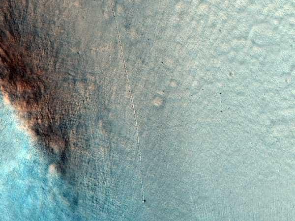 движущиеся камни на марсе.jpg